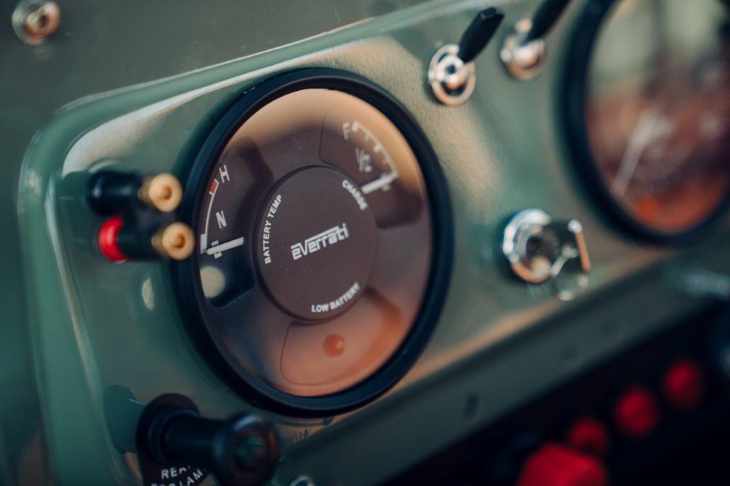 لاندروفر سيريز 2 إيه الكهربائية