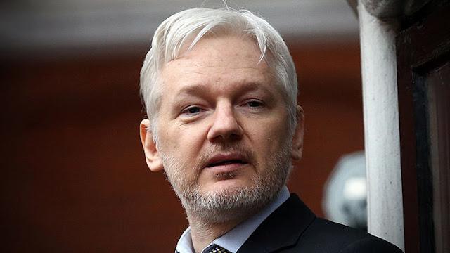 Assange pide al opositor Guillermo Lasso abandonar Ecuador tras su derrota en las elecciones