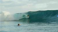 tatiana weston web surfer tahiti 25
