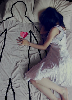 one way love image,one sided love images,love failure images,4truelovers image,girl on bed image