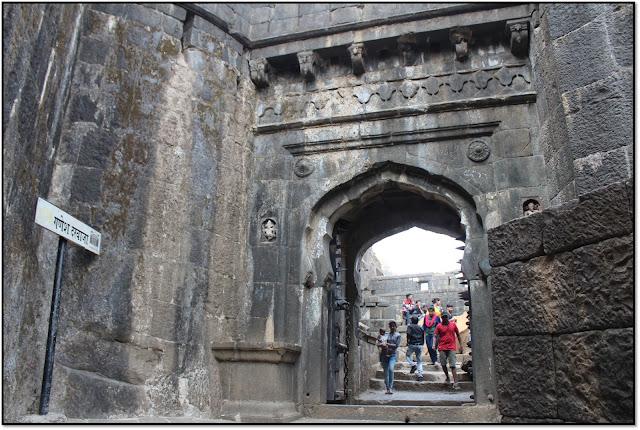 Lohagad fort, Ganesh darvaza at lohagad fort