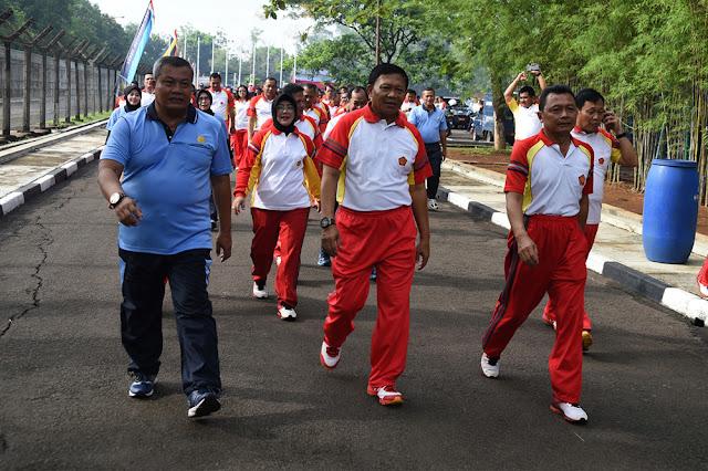 1.000 PNS TNI Ikuti Olahraga Bersama HUT ke-47 Korpri