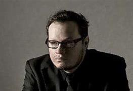Leonel García revela a qué olería su más reciente disco