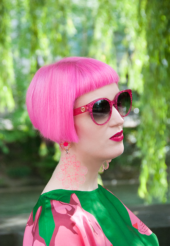 Self-Confidence, pink hair, swissblogger