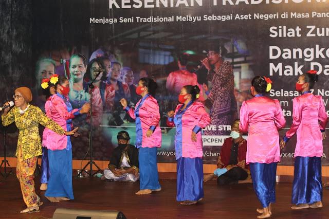 Melalui Pertunjukan Tradisional Melayu Tanjungpinang Disampaikan Informasi Penanganan Covid-19