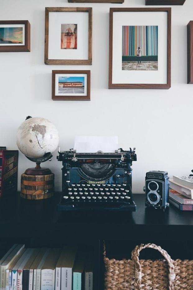 Decoração com máquina de escrever, máquina de escrever, máquina de escrever na decoração, como decorar com máquina de escrever, ideias com máquina de escrever, como usar máquina de escrever na decoração, Inspirações de decoração com máquina de escrever, decoração de paredes com máquina de escrever, decoração retro, como fazer decoração retro, objetos retro, móveis retro, decoração retro quarto, decoração retro sala, decoração vintage, decoração vintage faça você mesmo, decoração retro moderno, decoração vintage quarto, objetos de decoração retrô, ideias para decorar com máquinas de escrever