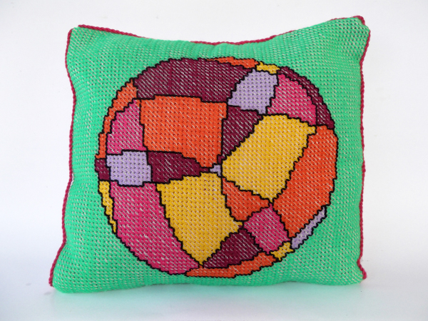 stitched cushion, stitched pillow, Embroidered cushion, embroidered pillow, embroidered pillow cover, continental stitch, continental stitch pattern, free cross stitch pattern, free cross stitch chart, cushion pattern, how to stitch a cushion