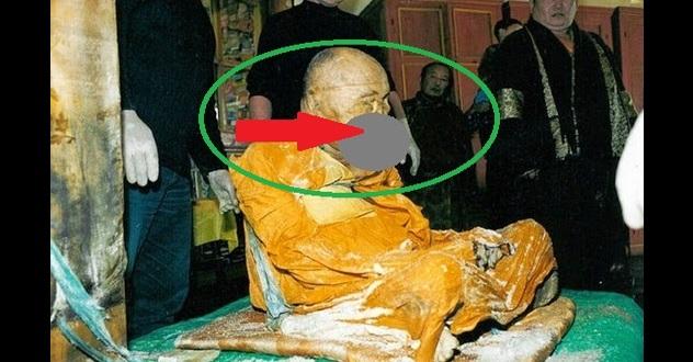 Mayat sami berusia 100 tahun ini ditemukan utuh dan tidak busuk namun lihat apa yang keluar dari mulutnya amat mengerikan!!