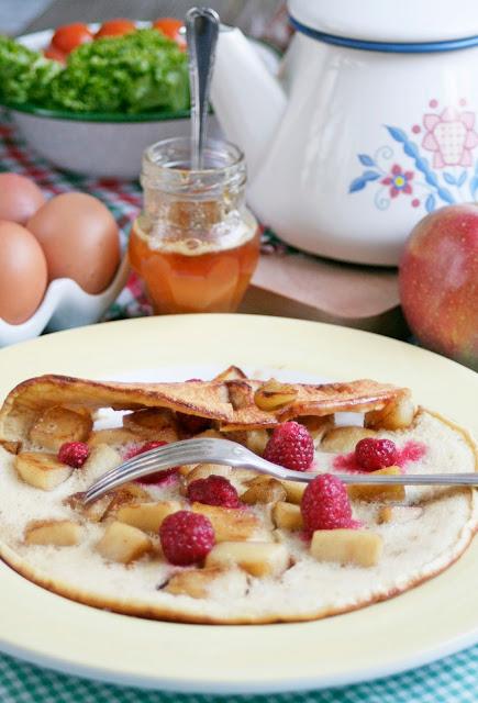słodkie śniadanie, co dla dzieci na śniadanie, jabłka z cynamonem w cieście, naleśniki na słodko, daylicooking