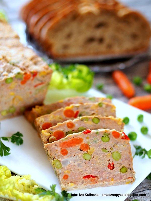 pieczen z miesa mielonego, warzywa mrozone, na kanapki, do chleba, keks wytrawny, kolorowa pieczen, mieso mielone