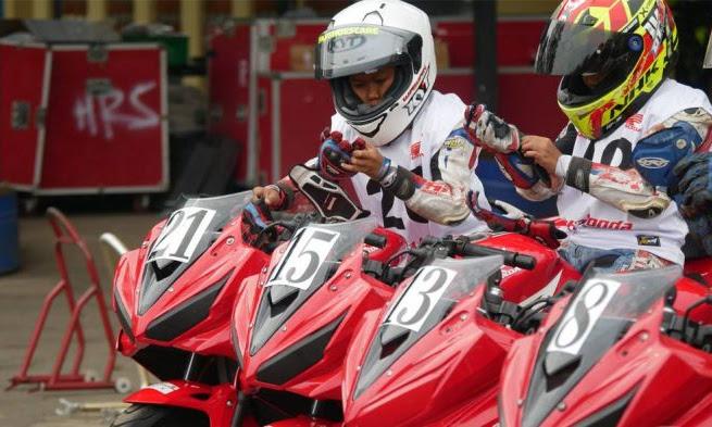 Sobat Ingin Jadi Pembalap Tim Astra Motor Racing Team? Begini Caranya!!