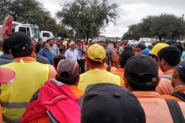 Anuncian el despido de 700 trabajadores de una contratista del Ferrocarril Belgrano