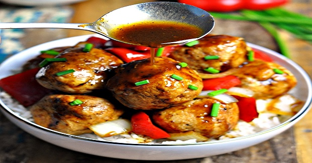 Chicken Meatballs & Capsicum (Pepper) Stir-Fry In Black Bean Sauce Recipe