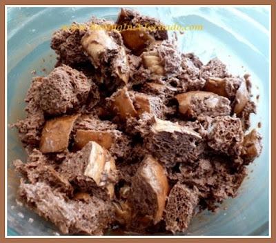 Crockpot Chocolate Bread Pudding | Recipe developed by www.BakingInATornado.com | #recipe #dessert