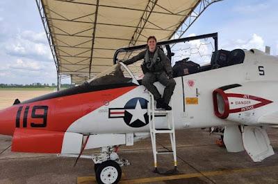 First female Italian Navy pilot