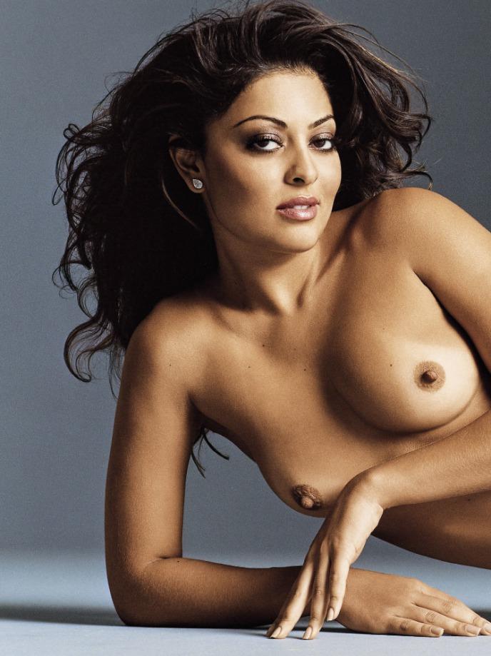 Skinny brown naked julia paes
