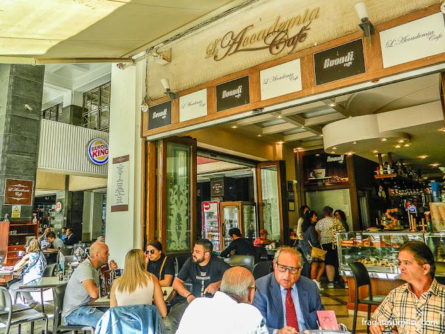 Café em Valeta, Malta