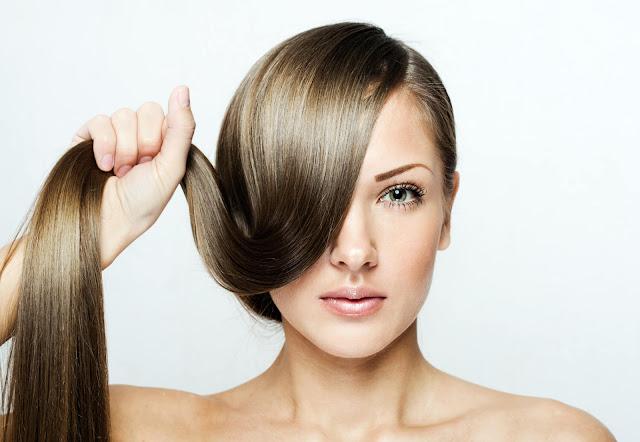 أفضل وصفات طبيعية لتقوية الشعر وتطويله وهي بسيطة وسهلة التحضير.
