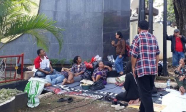 Ingin Tidur di Depan Mako Brimob, Pendukung Ahok Diusirin
