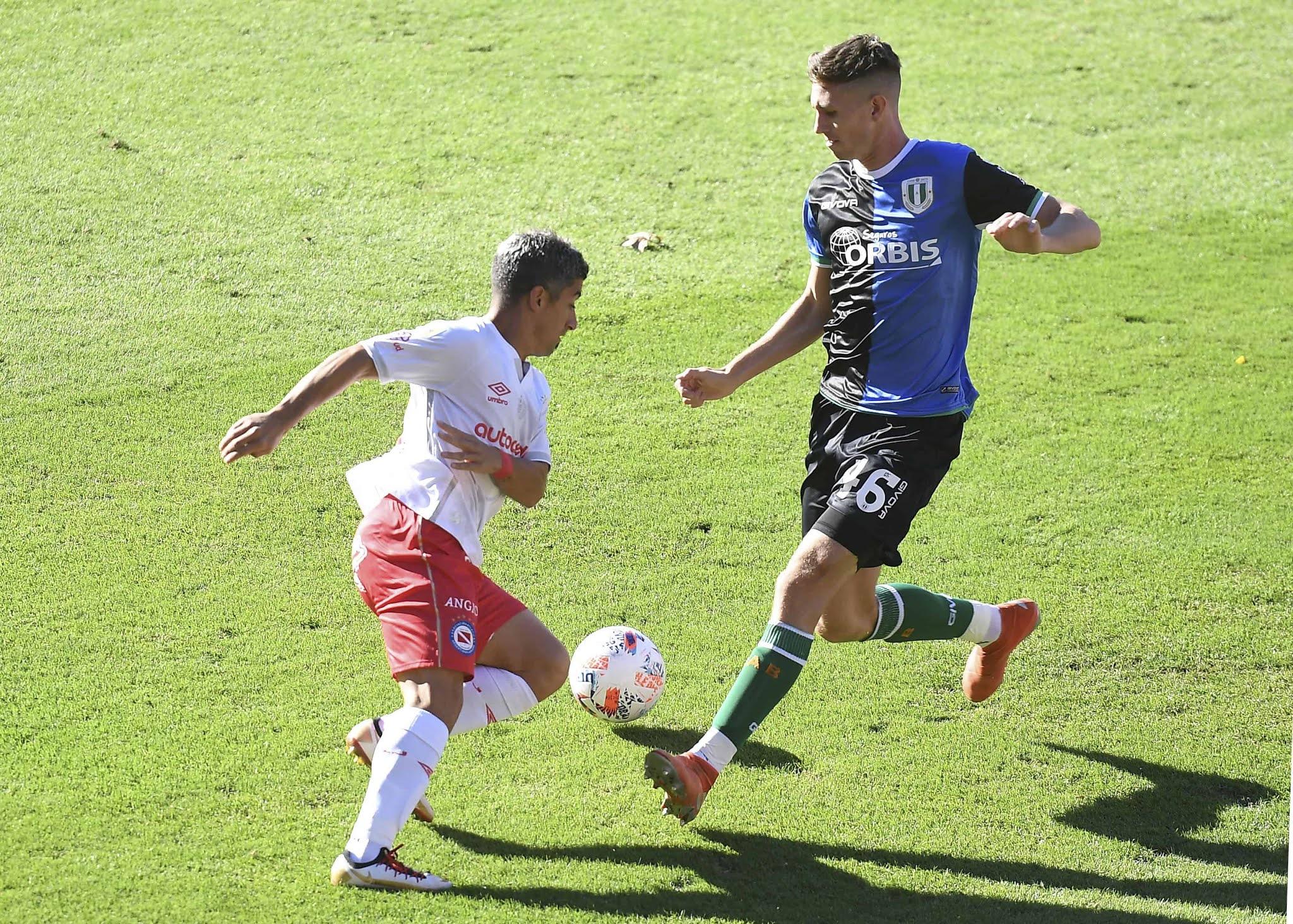 Banfield se lo empató en el descuento a Argentinos con un golazo