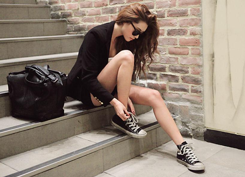 black converse shoe style