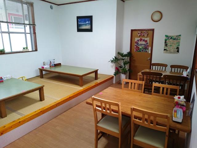 沖縄そば・家庭料理の店 嬉の店内の写真