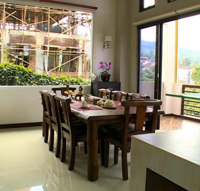 Desain Ruang Makan Natural