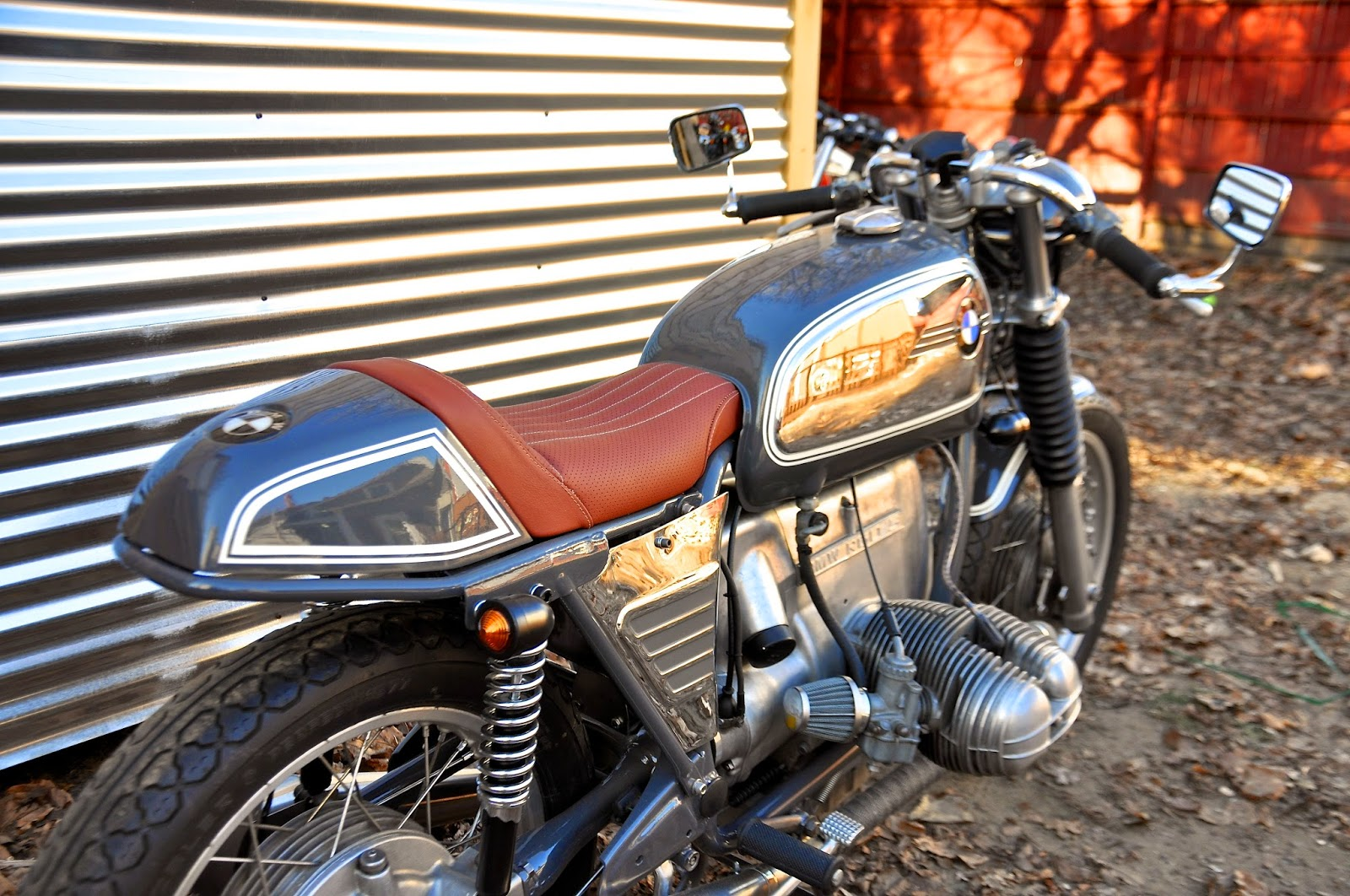 counter balance motorcycles bmw r60 5 cafe racer. Black Bedroom Furniture Sets. Home Design Ideas