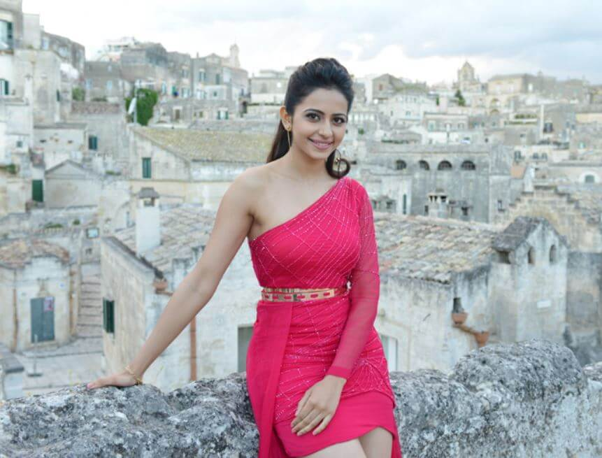 Sweet Rakul Preet Singh Hot Actress HD Wallpapers