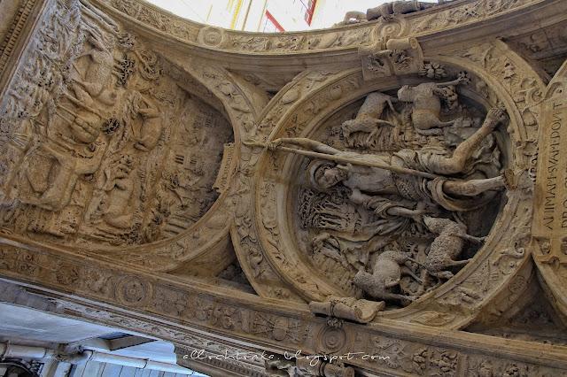 Wielki Zegar w Rouen od spodu