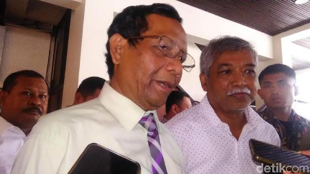 HRS Tunjukkan Surat 'Pencekalan', Mahfud: Suruh Kirim ke Saya