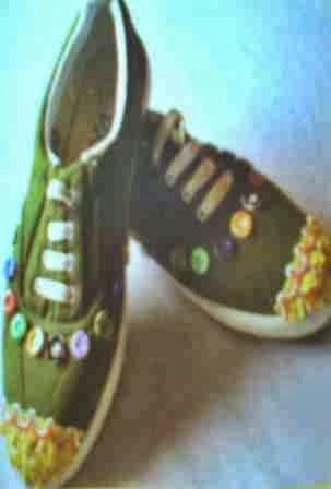 ... membuat aplikasi cantik, unik dan lucu pada sepatu yang kalian gunakan