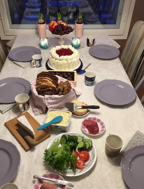 synttäri aamiainen