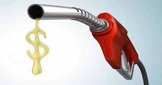Às vésperas de trocar comando, Petrobras anuncia novo reajuste em combustíveis.