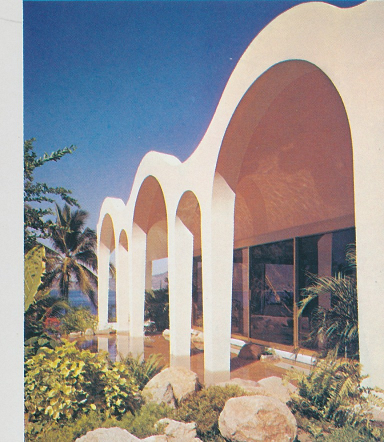 The Peak of Chic®: In Swinging Acapulco, the Star was ...