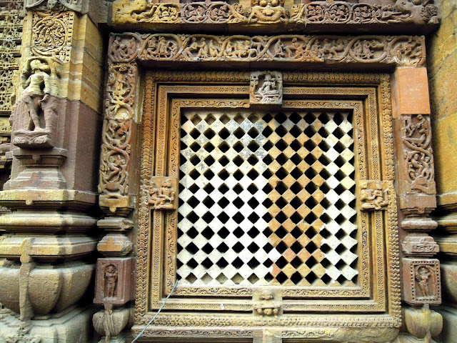 An exquisitely carved latticed window on the wall of the jagamohana, Mukteshwar Temple, Bhubaneshwar