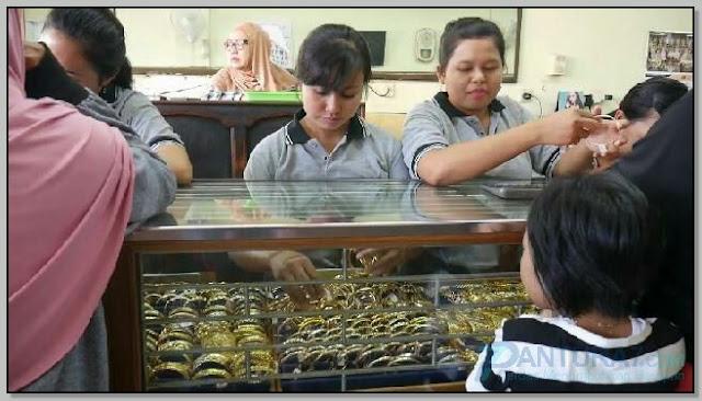 Toko Emas Nawawi ;Rahasia Sukses Dibalik Bisnis Keluarga Nawawi Probolinggo