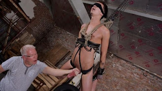 Hung Boy Takes A Beating – Charley Cole