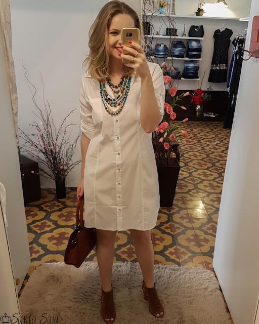 combinações com roupa branca, bota caramelo, vestido com bota