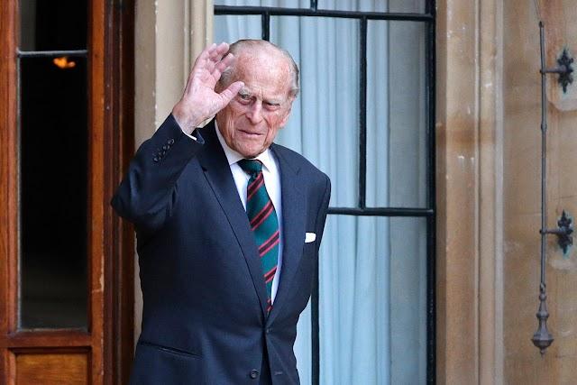 ब्रिटेन की महारानी एलिजाबेथ द्वितीय के पति Prince Philip का निधन, क्वीन ऑफ ब्रिटेन  का 73 साल तक साथ निभाया