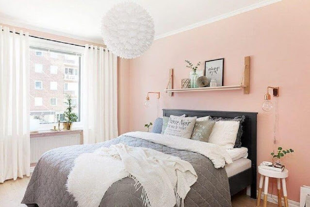 Decoration for young women's room in shades of pink and gray