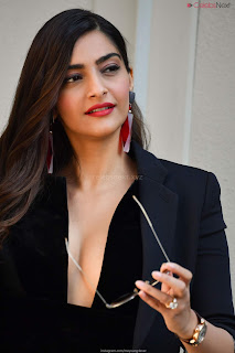 Sonam Kapoor looks absolutely fabulous in Black   .xyz Exclusive 015.jpg