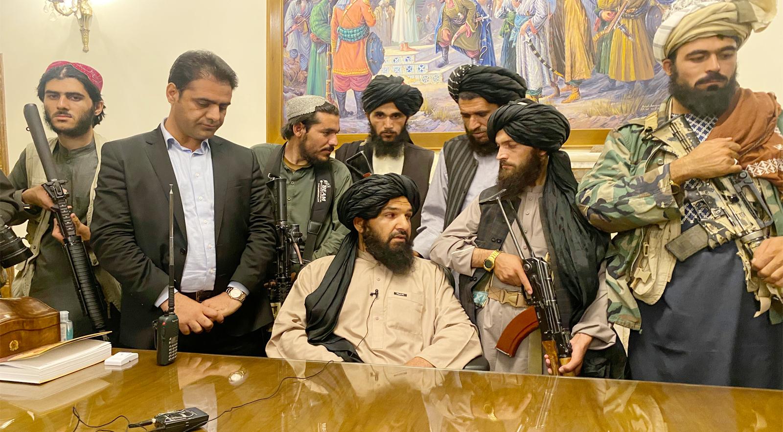 পশ্চিমাদের পলায়ন, আফগানিস্তানের রাষ্ট্রক্ষমতায় তালেবান