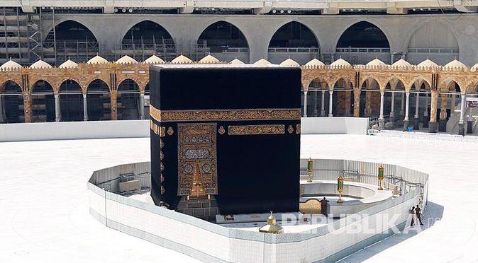 Dampak Covid-19 Terhadap Masjid-Masjid Besar Dunia, Kabah Pun 'Sendirian'