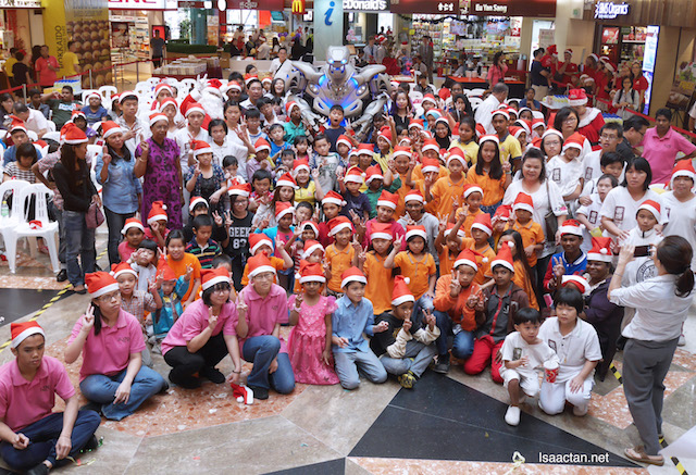 Cheras LeisureMall Toy Bank - A Gift Of Love 2016