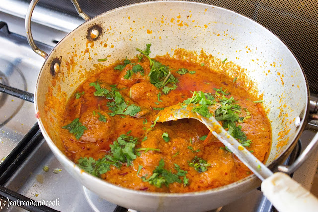indian style spicy prawn curry recipe with step by step pictures