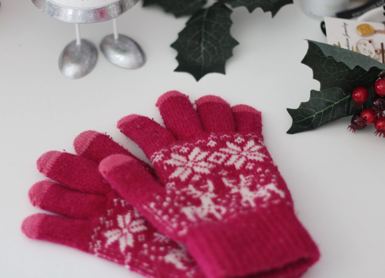winter essentials smart gloves