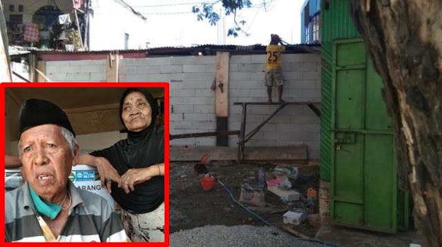Kasihan! Kakek Renta Terkurung dalam Rumah Karena Jalan Akses Ditembok Tetangga