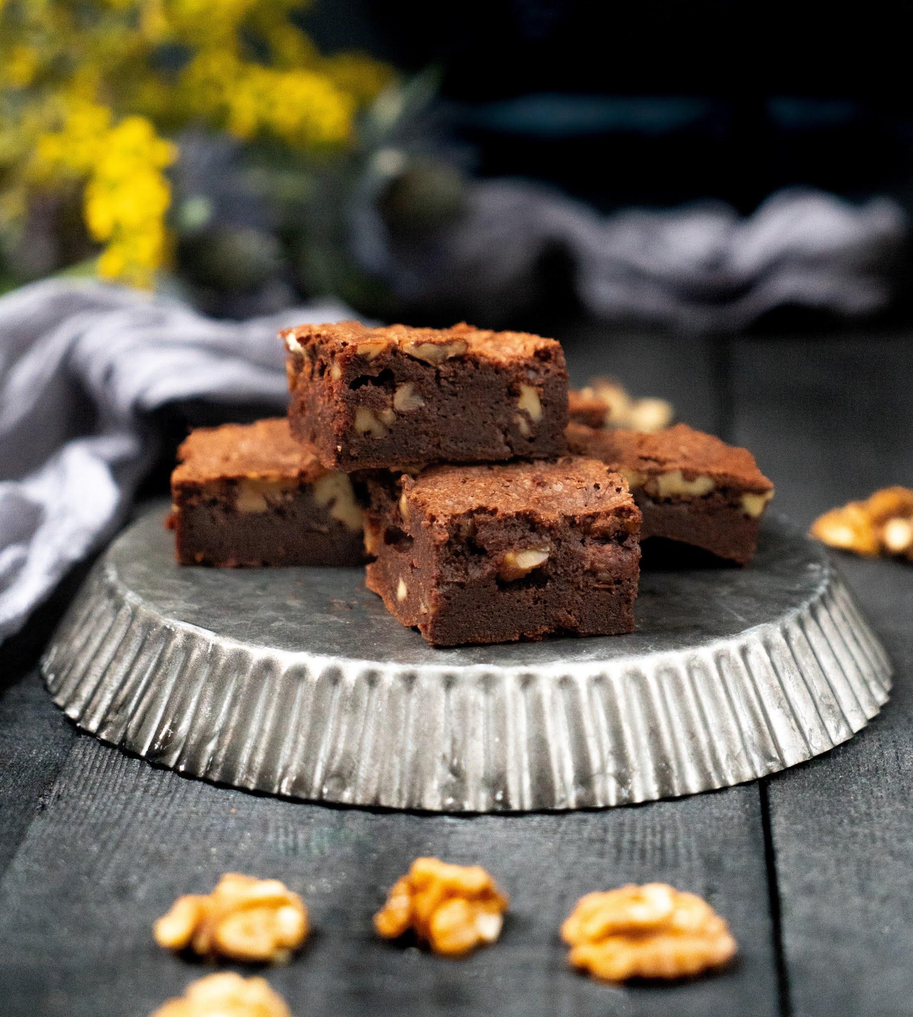 gâteau au chocolat, brownie , noix , trop bon , gouter