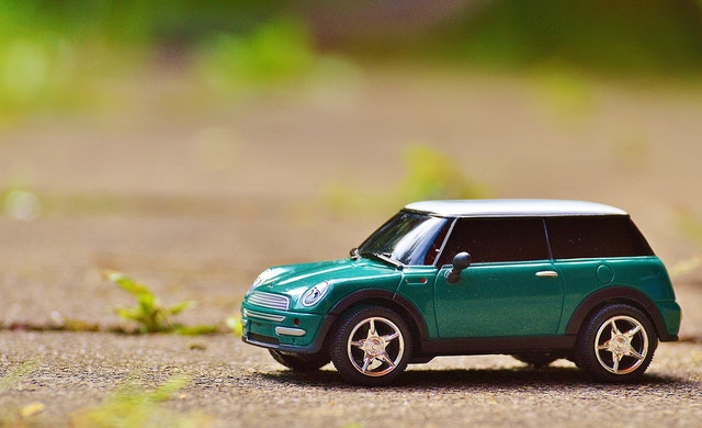 9 ways to lower your auto insurance costs